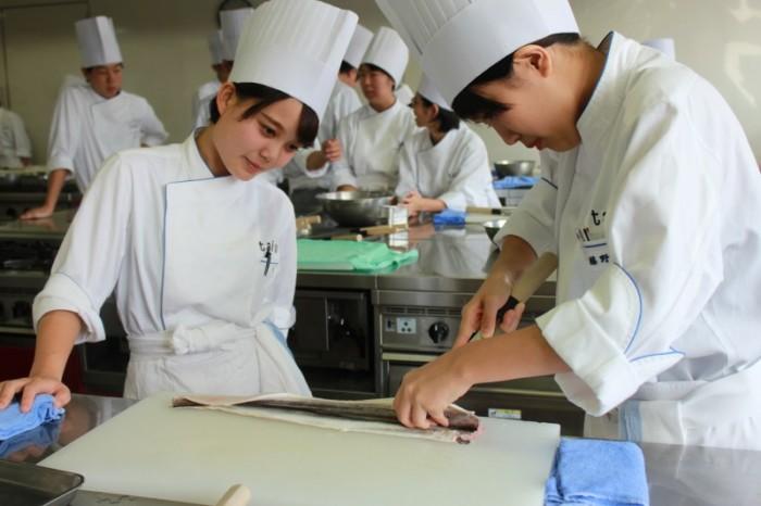 京都調理師専門学校画像