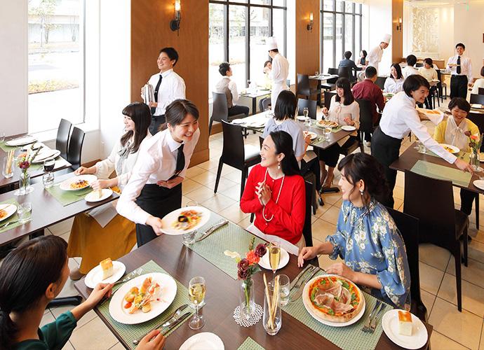 イタリアンのフルコースでお客様をおもてなし。イタリア料理上級科 学生レストラン